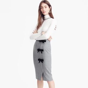 Wool pencil skirt with bows 🎀